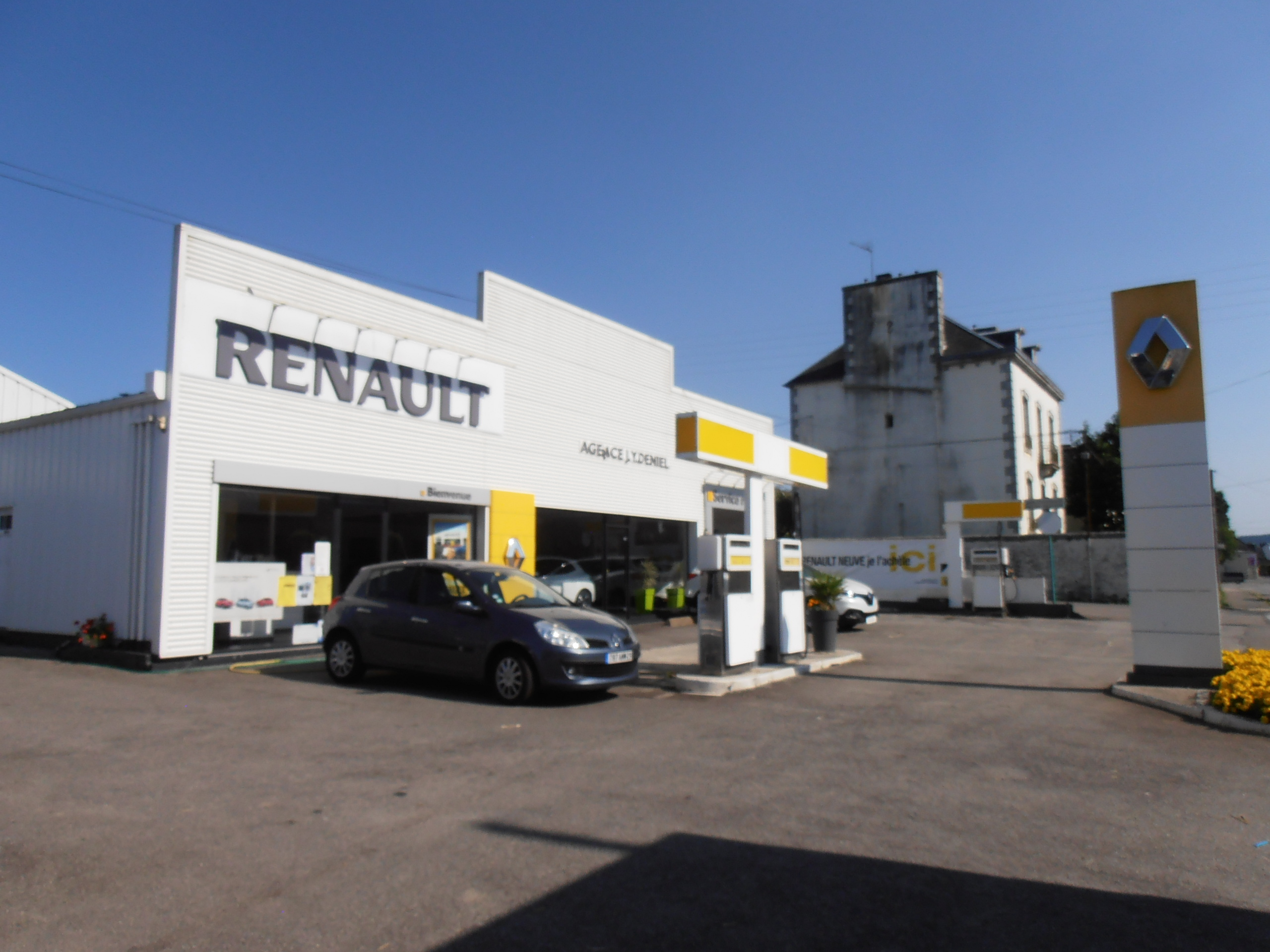 Garage renault for Garage renault varrains