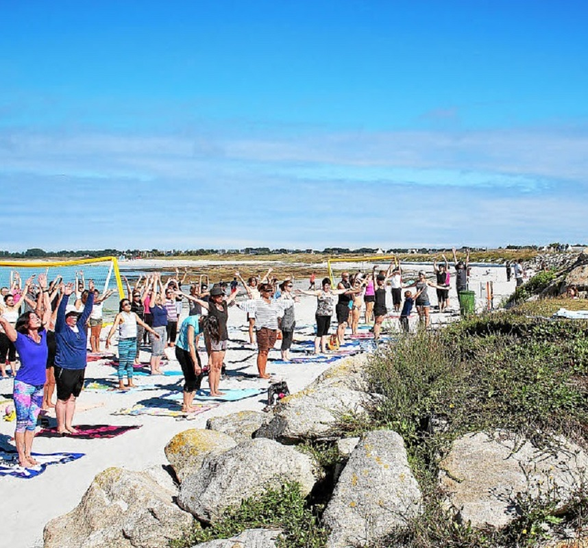 Festy Beach - Yoga