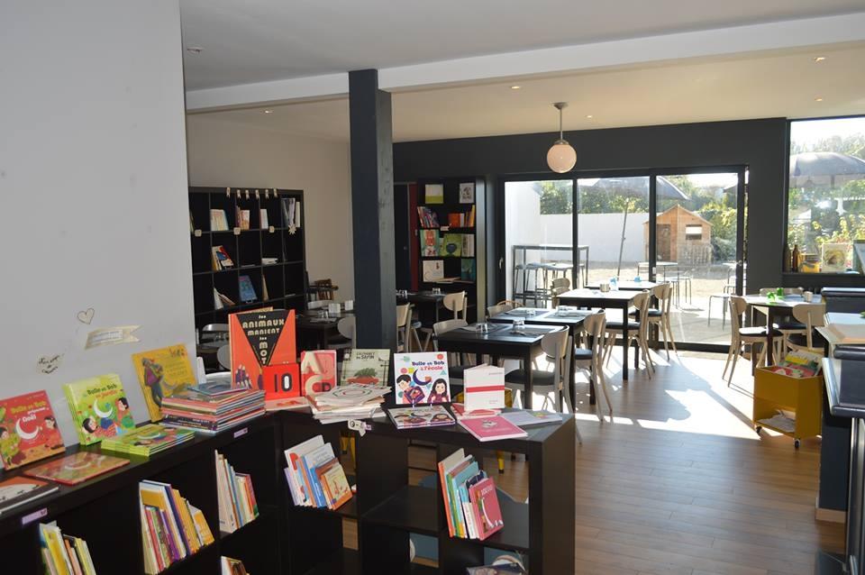 """Crêperie - Librairie Jeunesse """"Chez le Mari de Cécile"""""""